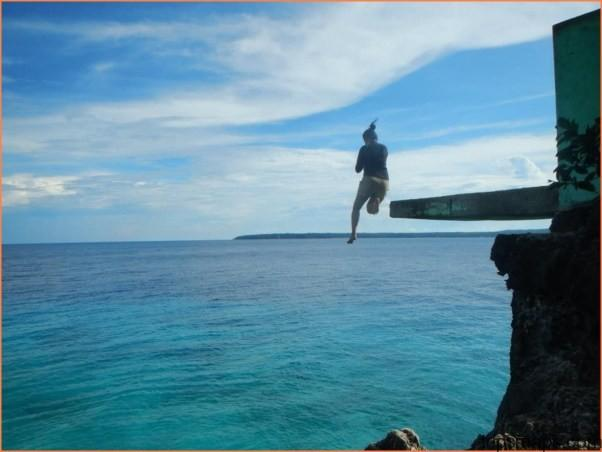 SIQUIJOR ISLAND Philippines - CLIFF JUMPING into CRYSTAL CLEAR WATER_7.jpg
