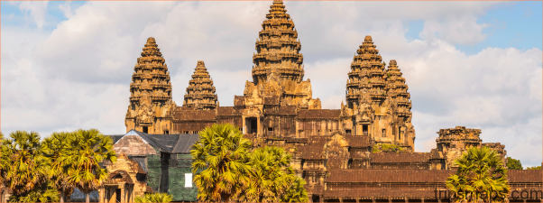 THE WORLDS LARGEST RELIGIOUS MONUMENT - THE GREAT ANGKOR WAT TEMPLE_13.jpg