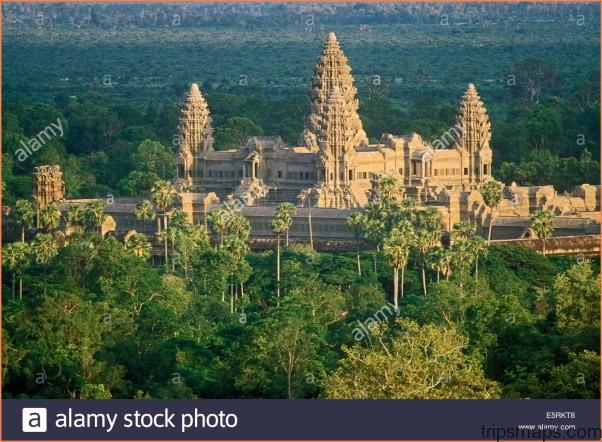 THE WORLDS LARGEST RELIGIOUS MONUMENT - THE GREAT ANGKOR WAT TEMPLE_14.jpg