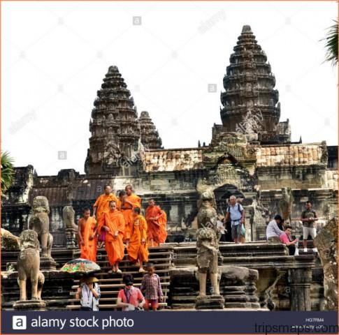 THE WORLDS LARGEST RELIGIOUS MONUMENT - THE GREAT ANGKOR WAT TEMPLE_15.jpg