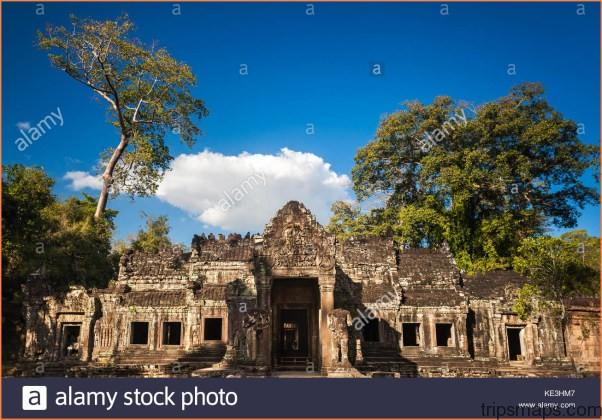 THE WORLDS LARGEST RELIGIOUS MONUMENT - THE GREAT ANGKOR WAT TEMPLE_19.jpg