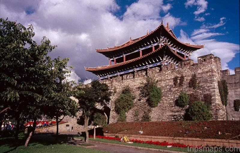 The old south gate of Dali, Yunnan, which was established as a Chinese-style city in 1382 shortly after the Mi… | Ming dynasty, Chinese architecture, Ancient cities