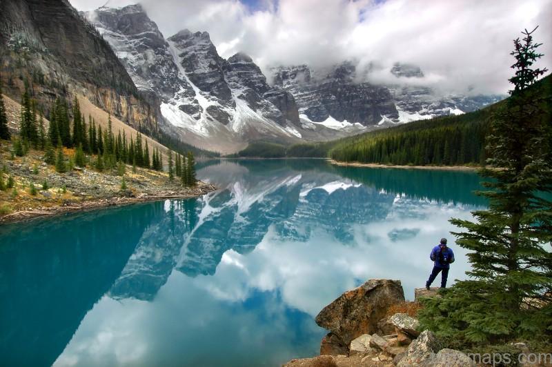 moraine lake lodge banff national park rocky mountains canada